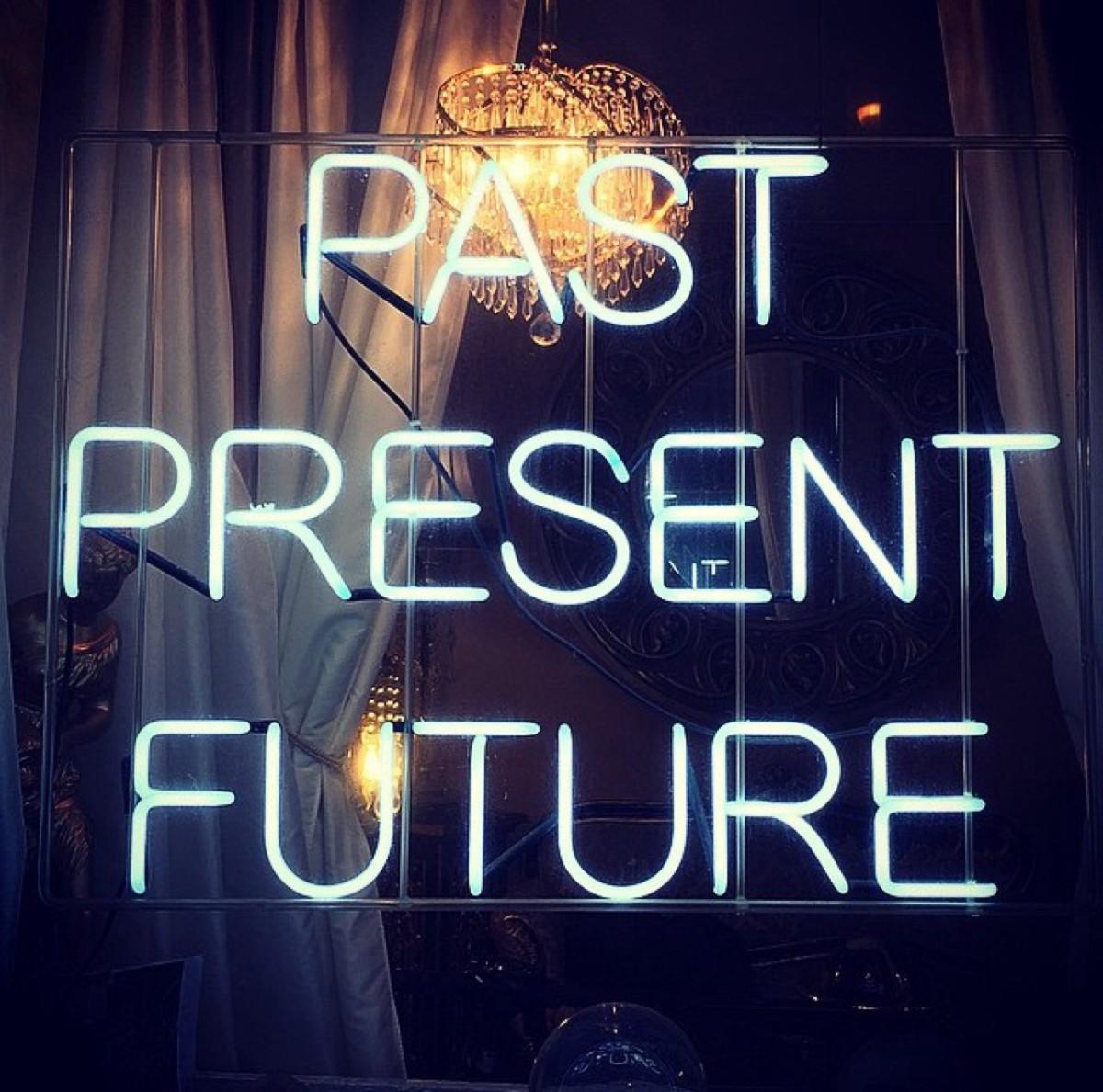 ¿Y tú dónde vives? ¿Pasado, presente o futuro? Mejor en lostres